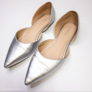 Metallic Silver Pointed Toe Flats